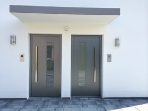 Haustüren lackiert